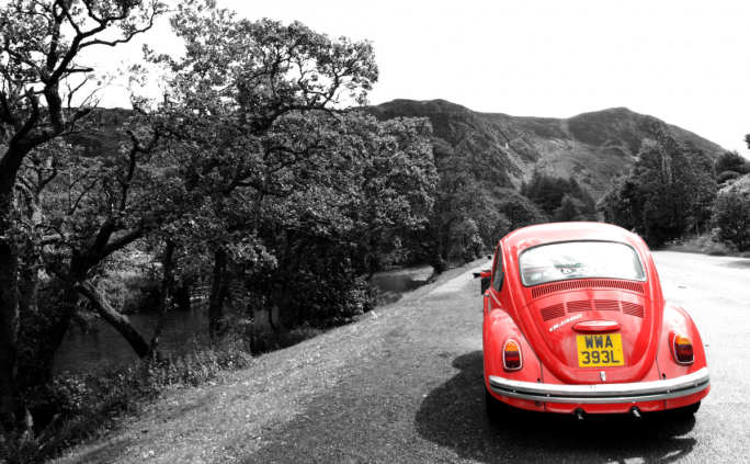 cropped-red-car-scottland.png